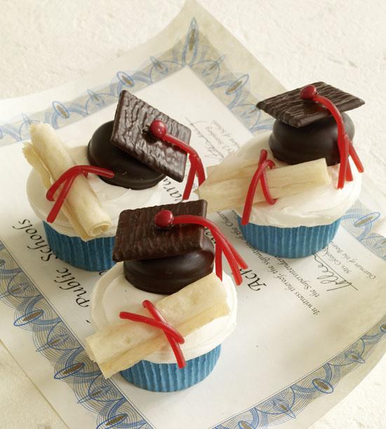 Hello cupcake graduation cupcake