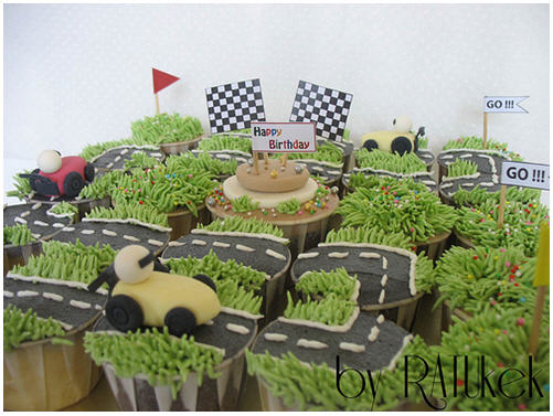 race-track-cupcakes