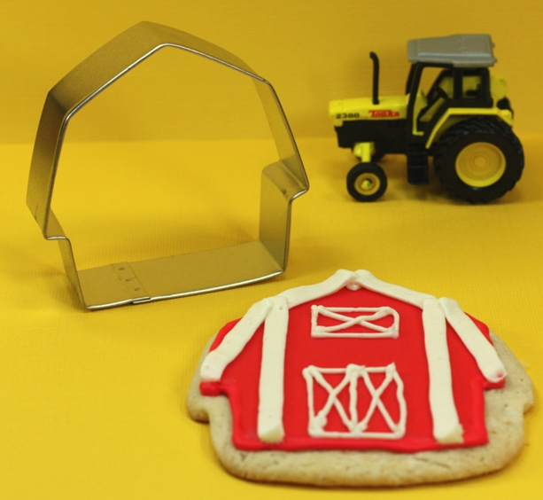 Thecelebrationshoppe barn cookie cutter 2