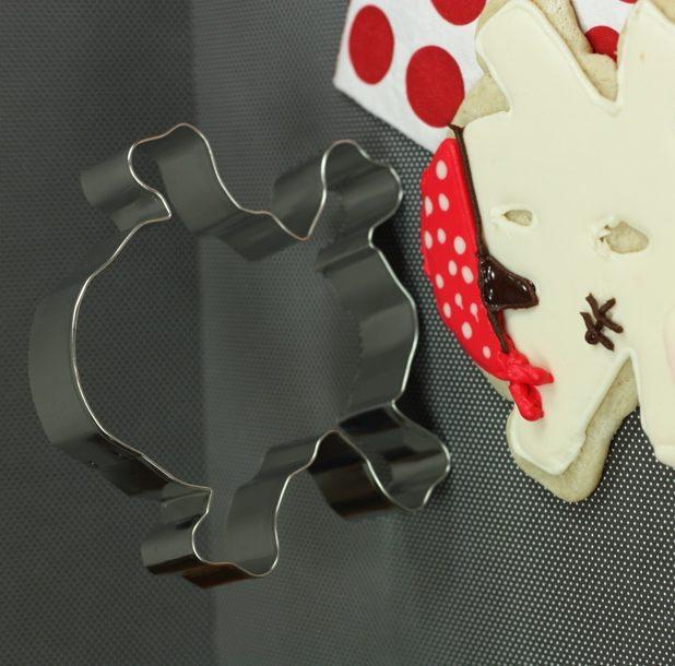 Thecelebrationshoppe skull crossbone cookie cutter