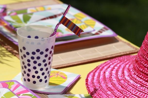 the-celebration-shoppe_luau-purple-dot-cup