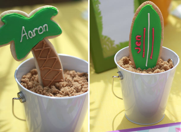 the-celebration-shoppe_palm-tree-surf-board-cookie-placecard