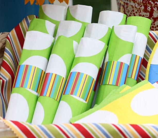 the-celebration-shoppe-backyard-bbq-napkin-ring