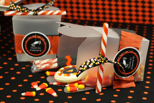 the-celebration-shoppe-candy-corn-collection_favorboxesside