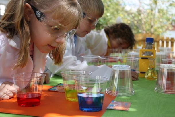 The celebration shoppe science collection color experiment2