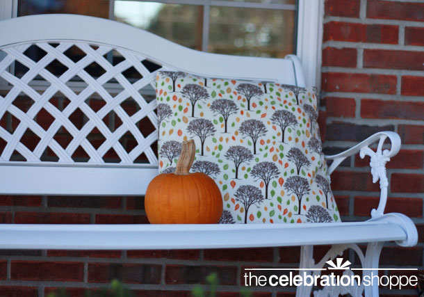 diy-fall-pillow-on-bench