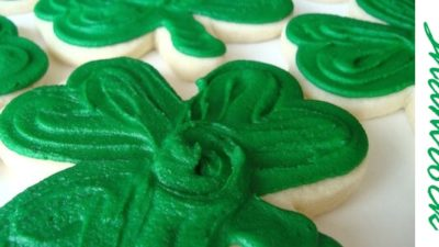 Sweet tooth cottage shamrock cookies