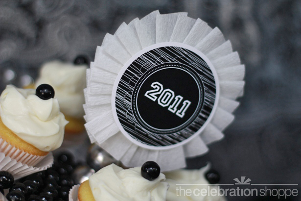 The celebration shoppe graduation 2011 cake topper wl