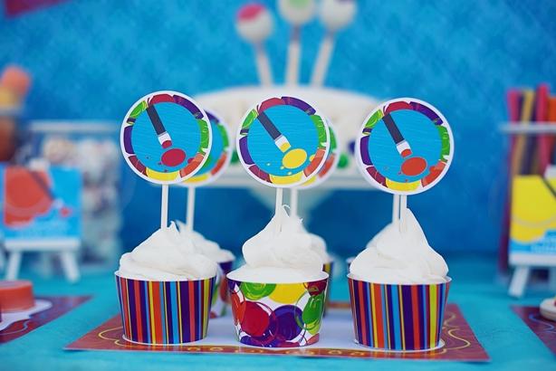 The celebration shoppe art party cupcakes
