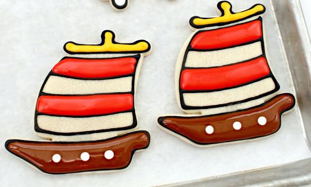 Pirate ship cookie tutorial step 3