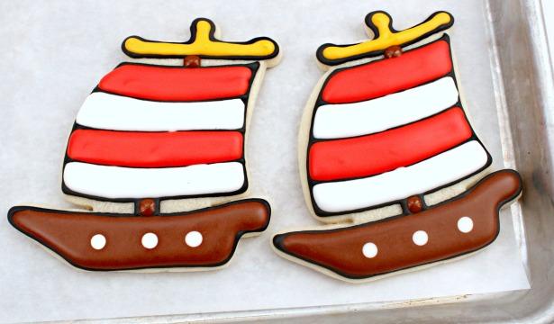 Pirate ship cookie tutorial step 5