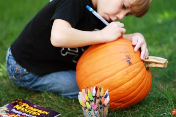 The celebration shoppe carving pumpkins 4b sm