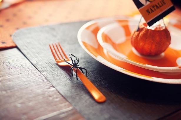 The celebration shoppe diy spider utensils