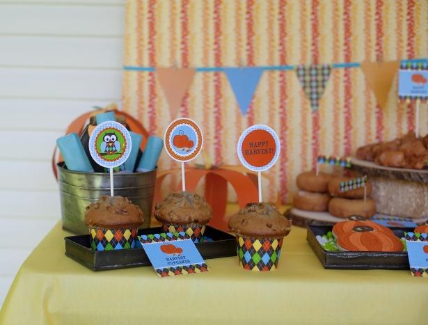 The celebration shoppe harvest dessert table 2