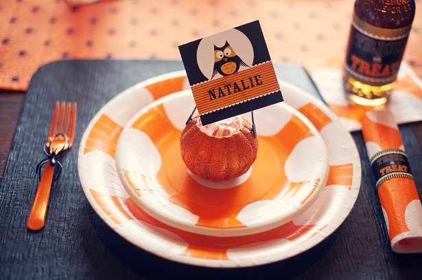 The celebration shoppe trick or treat placesetting w tag