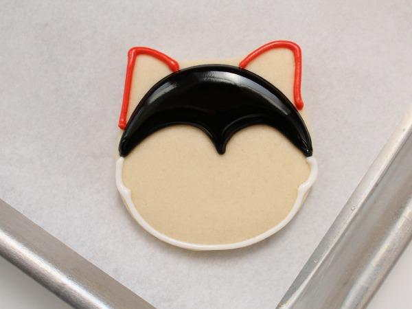 Easy Halloween cookie tutorial | Kim Byers