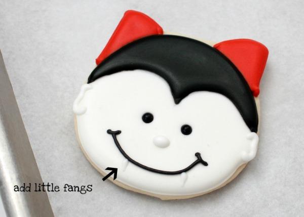 Adorable Halloween cookies | Kim Byers