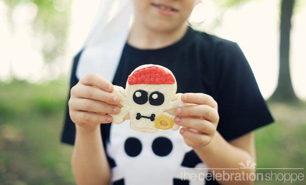 The celebration shoppe pirate party skull cookies 4 wl