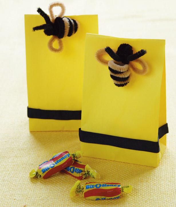 Amy atlas sweet designs book diy bee favor bags
