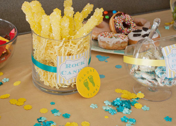 Blue and burlap baby shower crafts