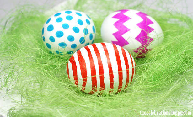 Decorating eggs with Sharpie