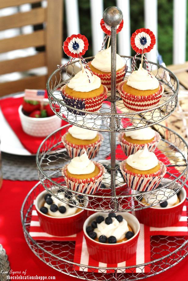 Americana cupcake stand