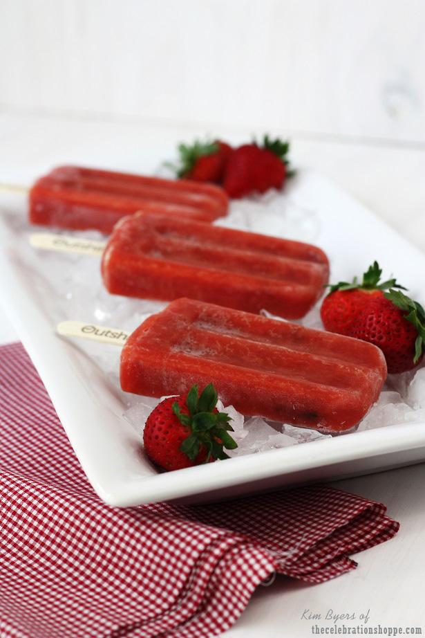 Strawberry Popsicles | thecelebrationshoppe.com