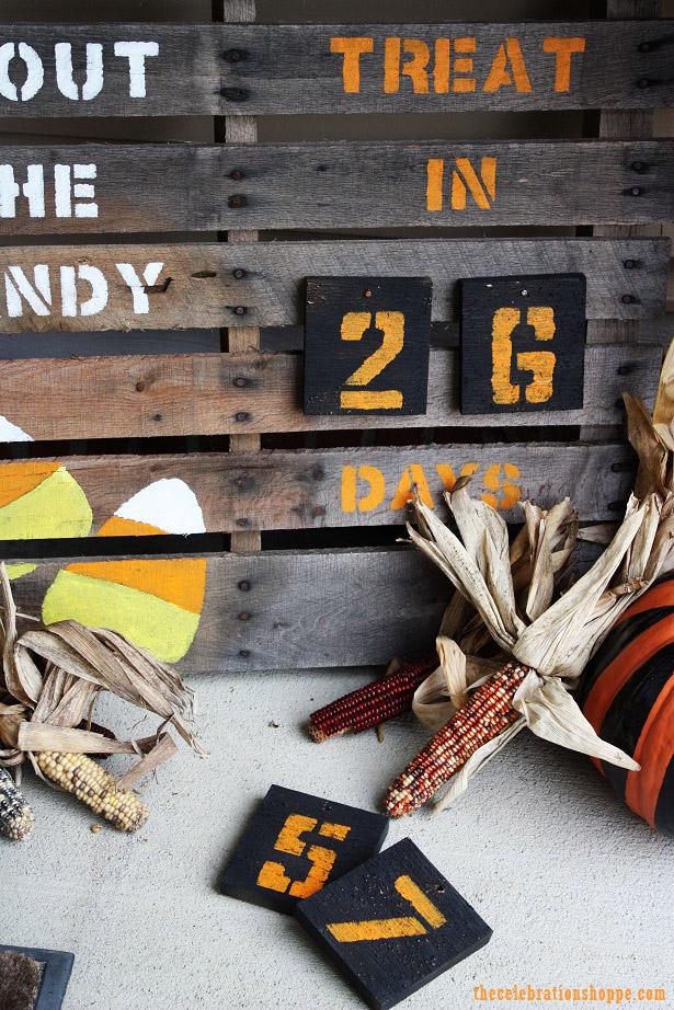 Halloween Countdown Pallet Art | TheCelebrationShoppe.com