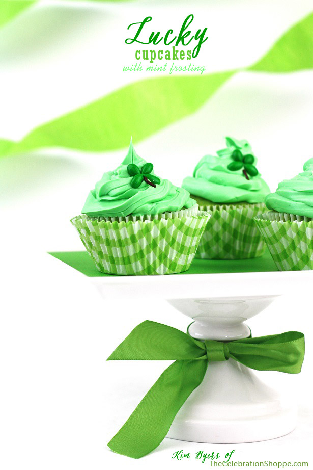 Lucky 4-Leaf Clover Cupcakes | Kim Byers, TheCelebrationShoppe.com