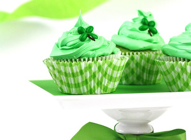 1 shamrock cupcakes kim byers 3295b
