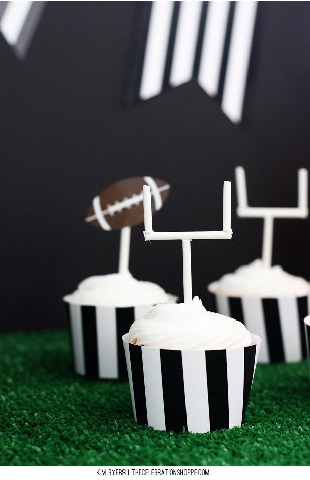 Football Field Goal Cupcakes | Kim Byers, TheCelebrationShoppe.com