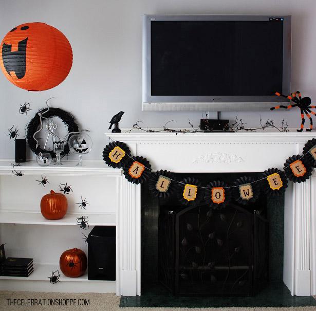 Halloween-Mantel-with-JoAnn-Kim-Byers