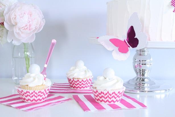 Vanilla Cupcakes | Kim Byers, TheCelebrationShoppe.com