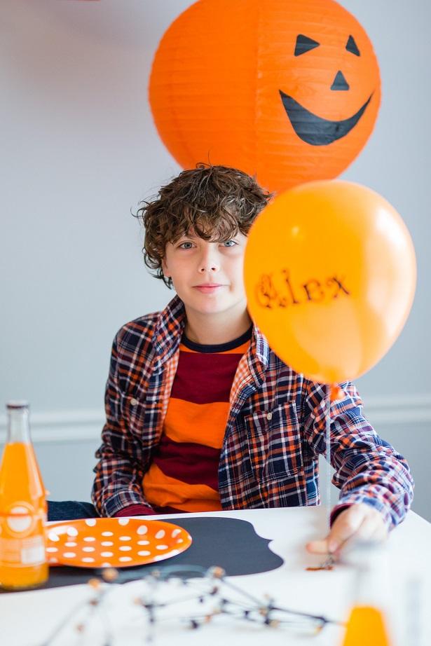 Easy DIY Balloon Placecards | Kim Byers