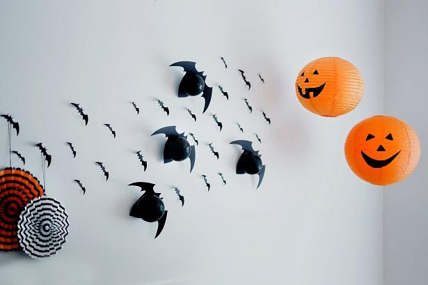 DIY Balloon Bats | Kim Byers
