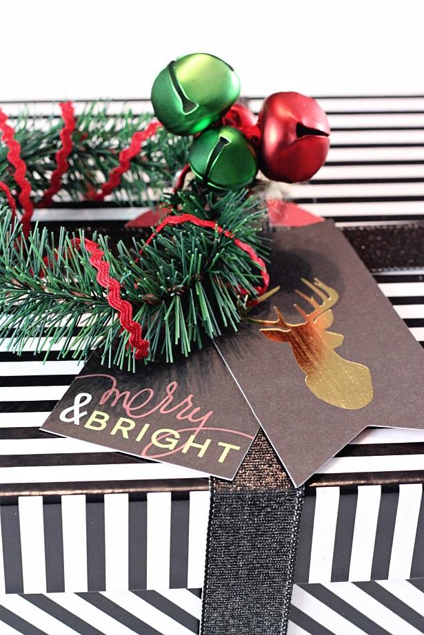 2 wreath jingle bell tags kim byers 8553