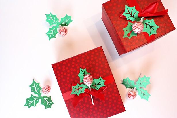 DIY Christmas Holly Paper Craft   @kimbyers TheCelebrationShoppe.com