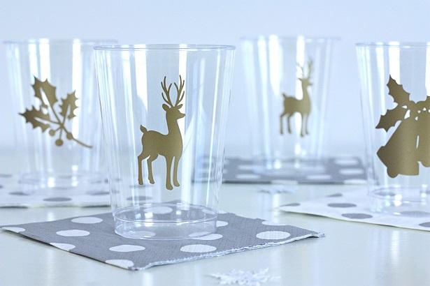 DIY Gold Vinyl Christmas Cups   @kimbyers TheCelebrationShoppe.com