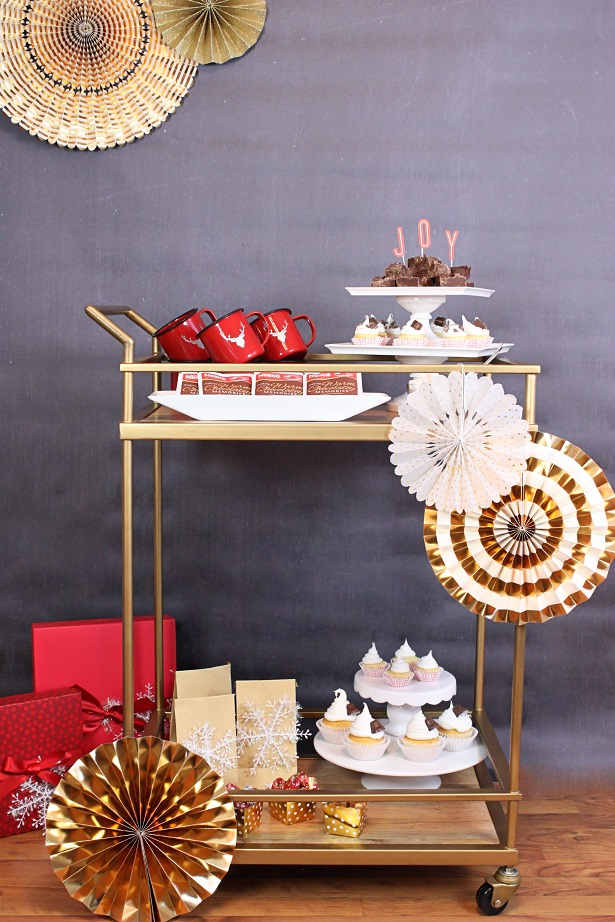 1 holiday hot cocoa cart kim byers 9338sm