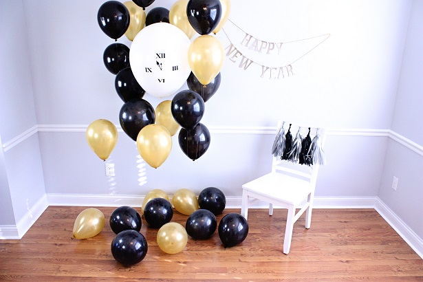 New Years Eve Photo Booth and Props | @kimbyers TheCelebrationShoppe.com