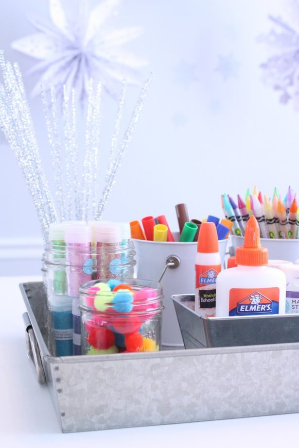 Ideas for a portable kid's craft station | @kimbyers