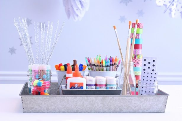 Create a portable craft station for kids and beat the winter blahs | @kimbyers