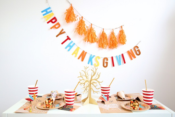 Decorate The Kids' Thanksgiving Table