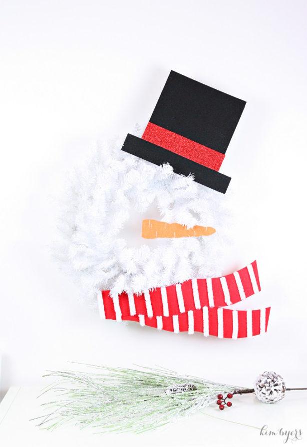 3-DIY-Snowman-Wreath-Kim-Byers (1)