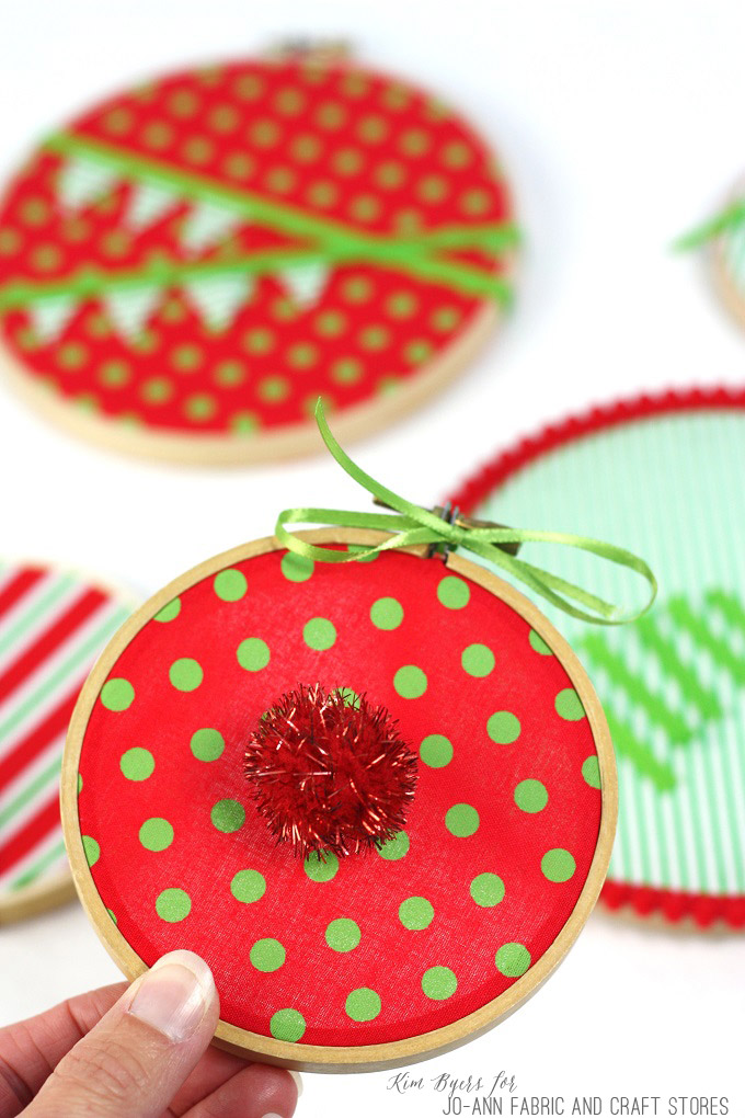 4-Christmas-Ornament-Hoops-Kim-Byers-6588
