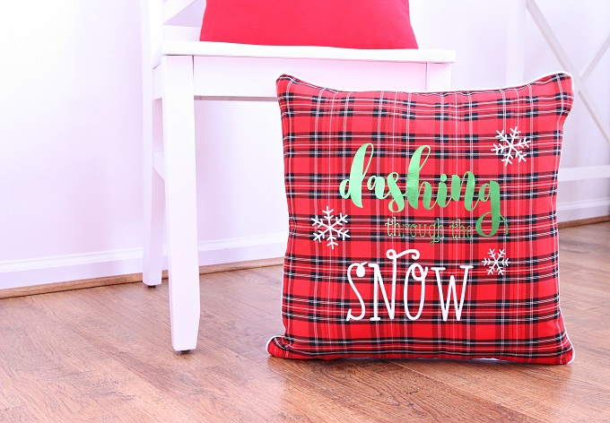 4 dashing through the snow pillow kim byers 8860 680