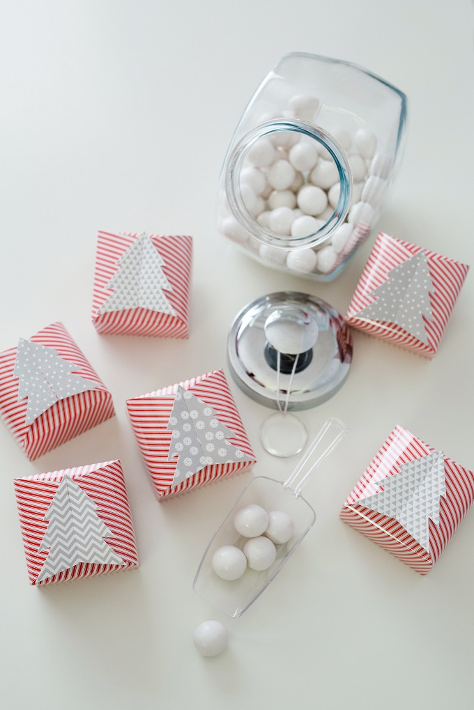 Red White Christmas Tree Favor Boxes   Kim Byers