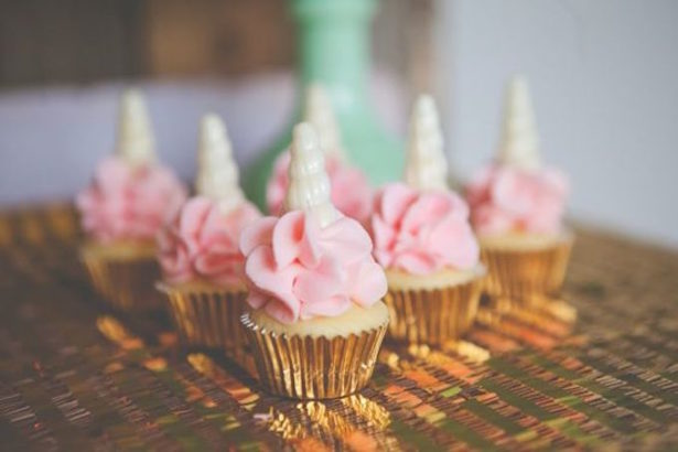 Unicorn party cupcakes turquoise and pink