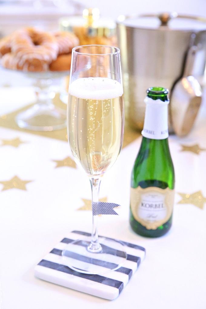 Oscars Champagne Toast   Kim Byers