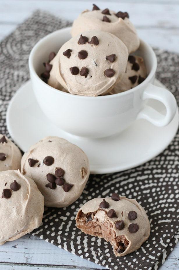 Mocha Chocolate Chip Meringues